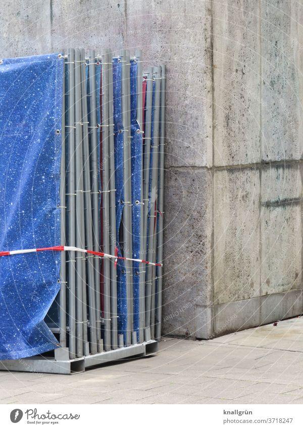 Einsatzbereit Bauzaun Sichtschutz Baustelle Zaun Sicherheit Schutz Barriere Außenaufnahme Gitter Absperrung Strukturen & Formen Metallzaun Muster Konstruktion