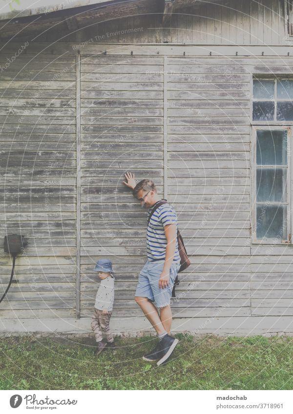 Lässig stehen üben Portrait Junge Kind Mann Vater Sohn Familie & Verwandtschaft Kindheit Erwachsene Zusammensein Mensch Liebe Papa Glück Menschen Eltern