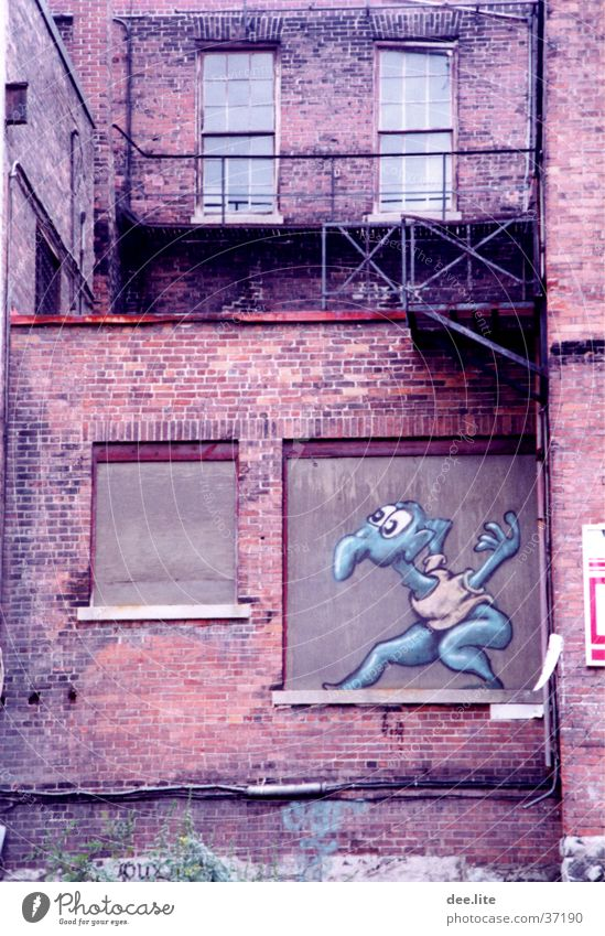 Maxerl Gemälde Mauer Comic Architektur Graffiti Zeichnung lustig streichen