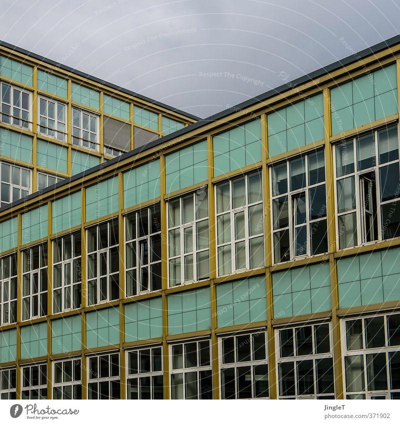 4711 - Echt Kölnisch Wasser | ut koeln | ehrenfeld II Köln-Ehrenfeld Stadt Bauwerk Gebäude Architektur Verwaltungsgebäude Fassade Fenster Wahrzeichen