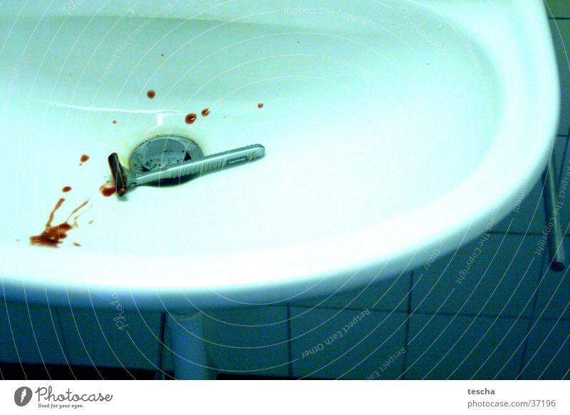 rasieren Rasieren geschnitten Schnittwunde Elektrisches Gerät Technik & Technologie Blut kunstblut lavabo Wunde