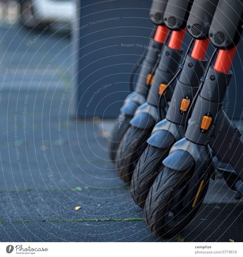 E-Scooter elektronisch elektromobilität Strom Fahrzeugteile Roller E-Roller Straße urban Stadt Köln fahren Miete mietroller mieten ausleihen