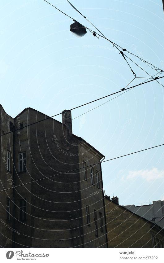 Winkel alt Himmel blau Stadt Gebäude dreckig Architektur Straßenbeleuchtung