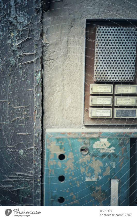 Spion alt Häusliches Leben verfallen Klingel Briefkasten