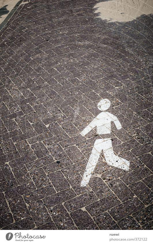 Beeilung! Stadt weiß schwarz Sport Bewegung Wege & Pfade grau klein Stein Sand braun Verkehr Schilder & Markierungen Geschwindigkeit Beton Hinweisschild