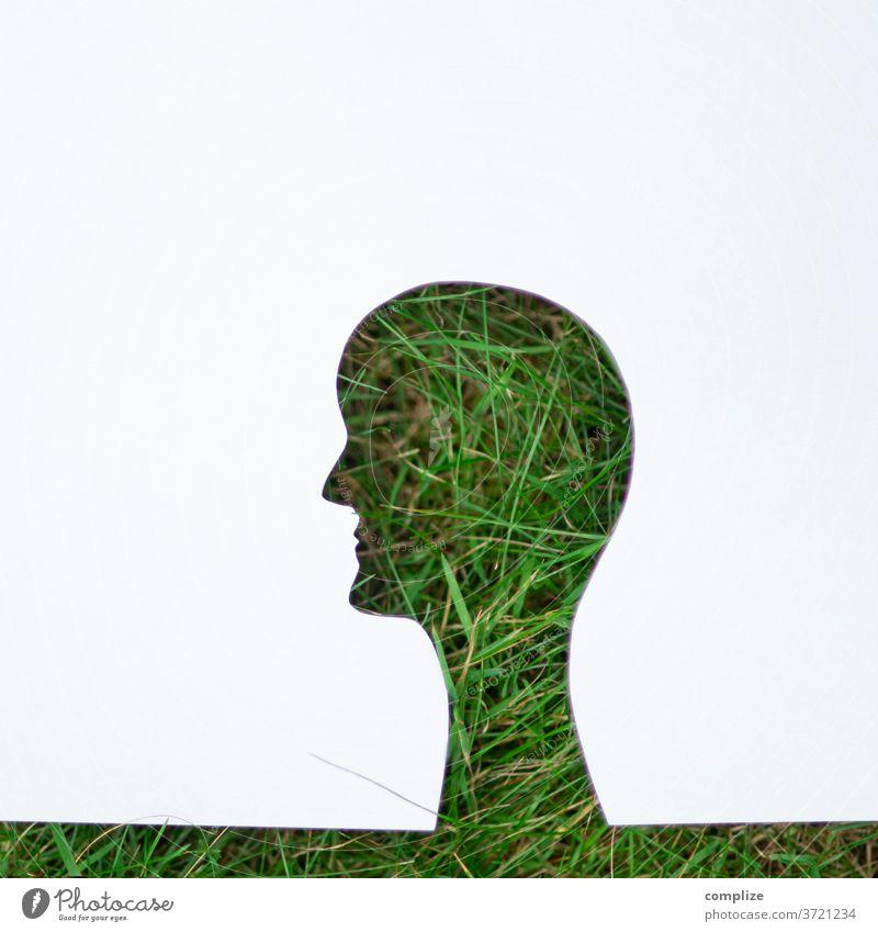 Grün im Kopf kopf grün rasen gras wiese natur umwelt schutz naturschutz umweltschutz klimaneutral klimaschutz aktiv organisch bio papier scherenschnitt wissen