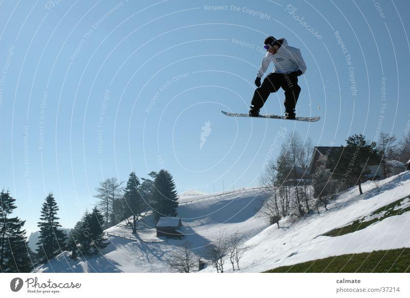 Snowboardsession St.Anton(CH)#2 Schnee Stil fliegen springen hoch Schönes Wetter Hügel Mut abwärts Schneelandschaft Blauer Himmel Freestyle talentiert