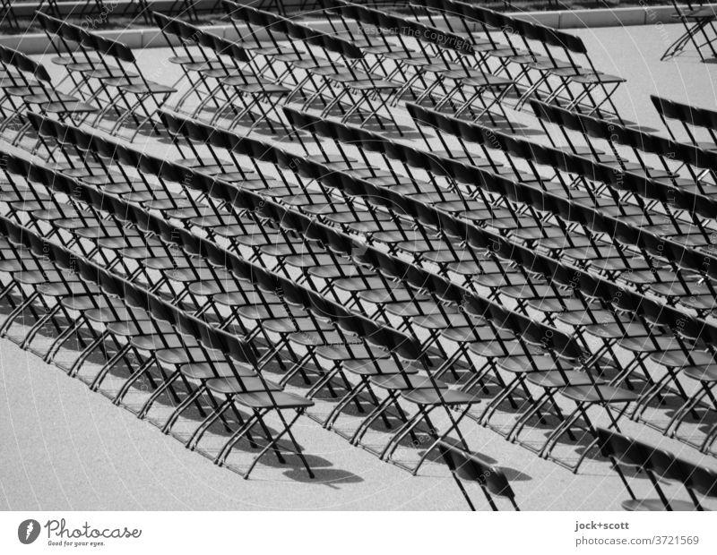 Reihe für Reihe Klappstühle Klappstuhl Sitzreihe Ordnungsliebe gleich Strukturen & Formen Symmetrie viele frei Genauigkeit Sitzgelegenheit Bestuhlung