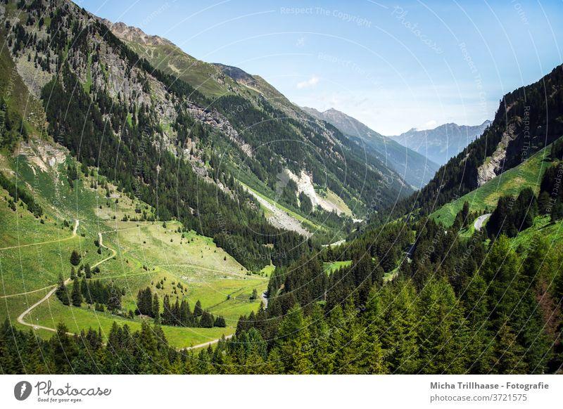 Alpenlandschaft Kaunertal, Österreich Kaunertaler Gletscher Tirol Berge Gipfel Gebirge Täler Fels Felsen Wiesen Bäume Landschaft Natur Himmel Wolken Sonne