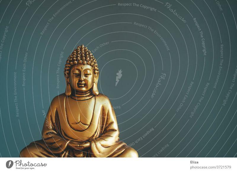 Vorfreude | auf die Erleuchtung nach Buddhas Vorbild Buddhafigur Buddha Statue Buddhismus Religion Spiritualität blau Glaube Meditation Asien Zen Figur gold