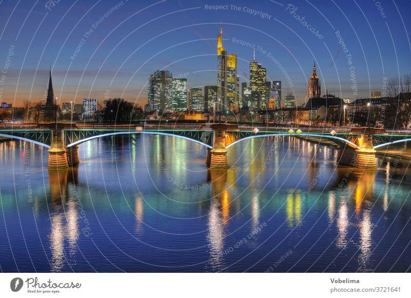 Frankfurt, abends hochhaus main hochhäuser city abendstimmung stadt großstadt skyline rhein-main-gebiet hessen deutschland brd hdr fluss brücke