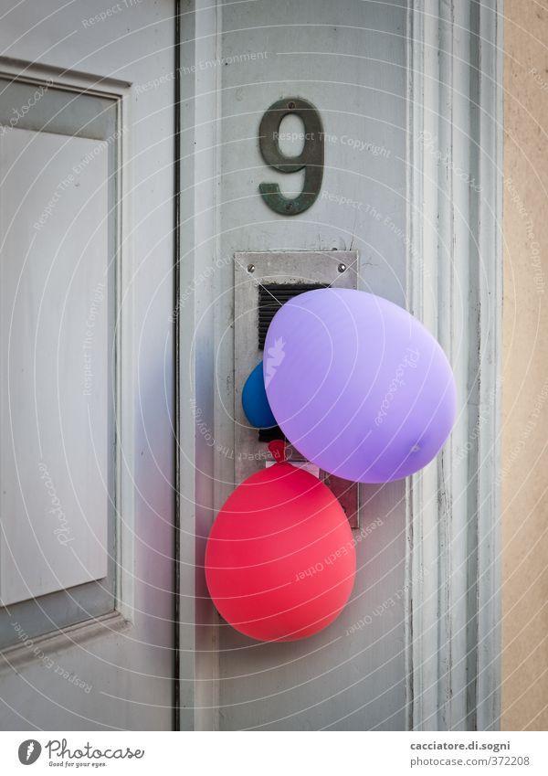 count again Feste & Feiern Tür Hausnummer Luftballon Holz Kunststoff Ziffern & Zahlen einfach Fröhlichkeit niedlich positiv trist Stadt violett rot Freude