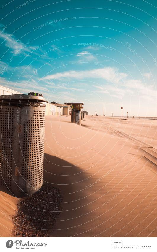 Müllbeseitigungspromenade (#111) Himmel Ferien & Urlaub & Reisen blau Sommer Sonne Meer Landschaft ruhig Strand Ferne Wärme Frühling Küste Sand Metall braun