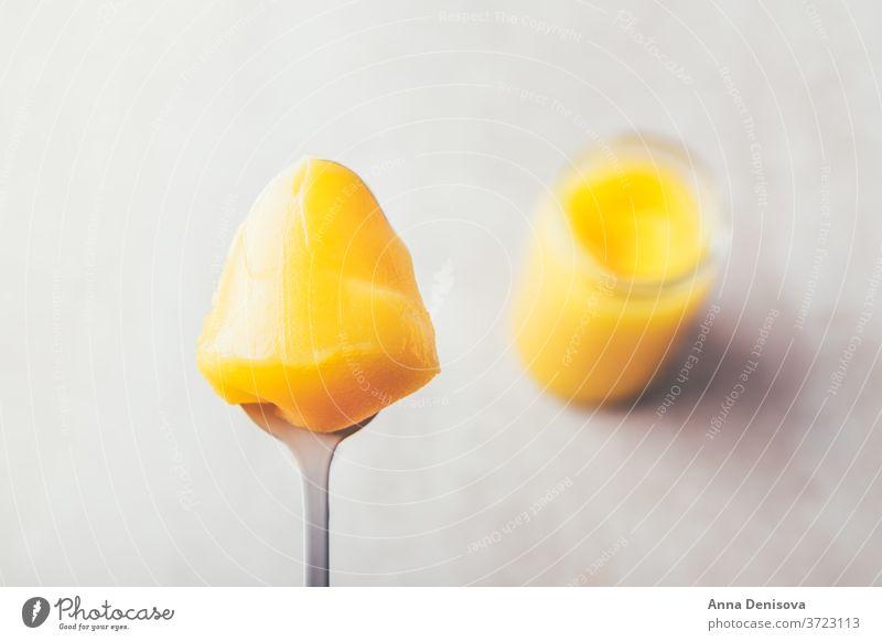 Reines organisches Ghee-Speiseöl rein Essen zubereiten Erdöl Biografie ayurveda laktosefrei hochwertige Butter Hoher Rauchpunkt mit Gras gefüttert Gesundheit