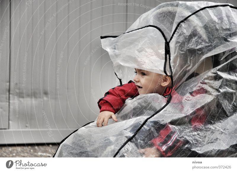 wetterfest maskulin Kind Junge Kopf 1 Mensch 1-3 Jahre Kleinkind Wetter schlechtes Wetter Regen Kinderwagen Jacke Regenschirm beobachten fahren Blick Neugier