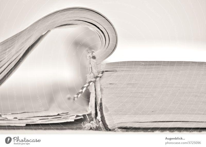 das alte Medizinbuch... medizinbuch altes buch historisch Buchseite Bibliothek Bildung vergilbt Literatur Studium Wissen lernen lesen Weisheit Information