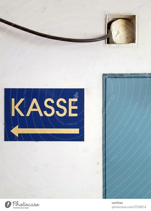 WIR MACHEN KASSE Kasse Geld Reichtum bezahlen Euro Bargeld Business kaufen Rechnung Finanzen Schild blau Tür Wand Börse DAX Aktien Geldanlage Jahresendrallye
