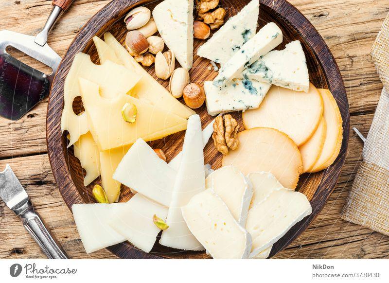 Satz Schnittkäse Käse Spielfigur sortiert Scheibe Snack Gesundheit Schneiden Amuse-Gueule Feinkostladen Produkt lecker frisch geschnitten Parmesan geschmackvoll