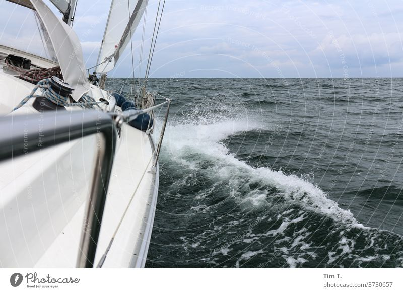 Kein Land in Sicht ...Endlich Segeln sailing Ostsee Meer Segelboot Wasser Himmel Wasserfahrzeug Sommer Schifffahrt Ferien & Urlaub & Reisen Segelschiff Farbfoto