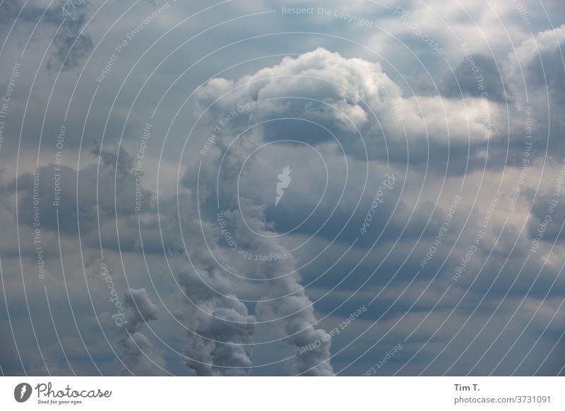 Lausitzer Himmel smokestack Blauer Himmel Wolken Sommer Außenaufnahme Menschenleer Braunkohlekraftwerk Jänschwalde Kühlturm Tag Umwelt Klima Klimawandel