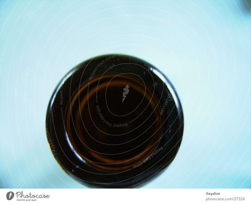 Flaschenhals von oben Ernährung dunkel Glas Perspektive rund Flasche Loch