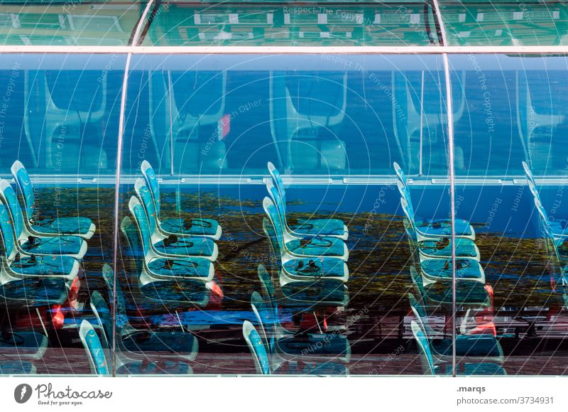 Sitzreihe Stuhl Sitzgelegenheit Ordnung blau Glas Ausflug Tourismus Schifffahrt Reihe Bestuhlung außergewöhnlich Zukunft futuristisch