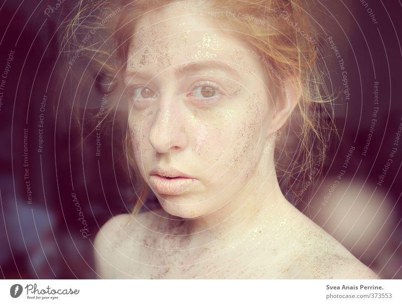 Gold II feminin Junge Frau Jugendliche Körper Haut Kopf Haare & Frisuren Gesicht 1 Mensch 18-30 Jahre Erwachsene blond rothaarig Zopf gold rosa einzigartig