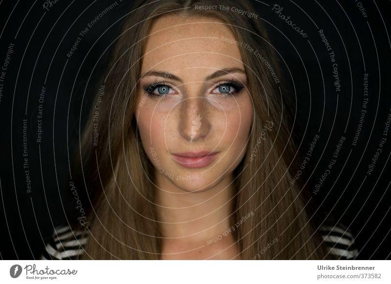 Che bella! schön Haut Gesicht Mensch feminin Junge Frau Jugendliche Erwachsene Kopf Haare & Frisuren Auge 1 brünett langhaarig Scheitel Lächeln leuchten Blick