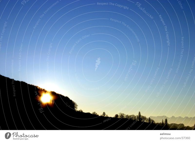 Morning Has Broken Sonne ruhig Landschaft Schweiz Blauer Himmel Ebene