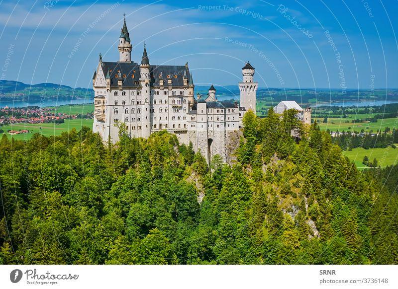 Schloss Neuschwanstein, Deutschland alpin Alpen Architektur Anziehungskraft Bayern bayerisch schön Gebäude Burg oder Schloss Ausflugsziel Europa Europäer Fee