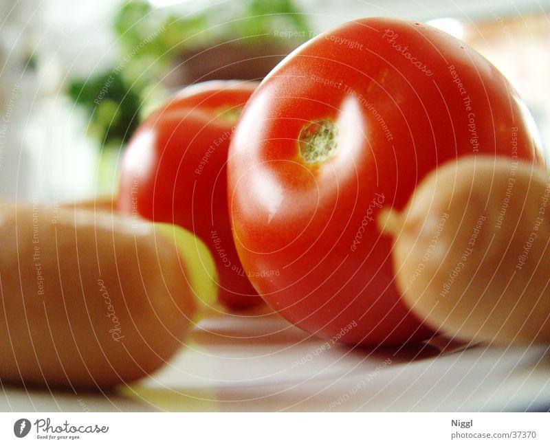 Tomaten un Würschd rot Würstchen Ernährung Lebensmittel Gemüse Makroaufnahme niggl