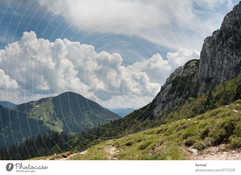 AST6   Wolkenberge Umwelt Natur Landschaft Pflanze Himmel Sonne Sonnenlicht Sommer Schönes Wetter Baum Gras Wald Hügel Felsen Alpen Berge u. Gebirge hoch blau