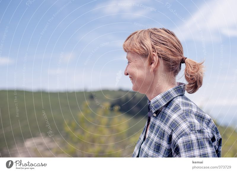 AST6 Inntal   Bergmadel Mensch Frau Himmel Natur Ferien & Urlaub & Reisen Freude Erwachsene Berge u. Gebirge Leben feminin Haare & Frisuren Glück Kopf Zufriedenheit Tourismus wandern
