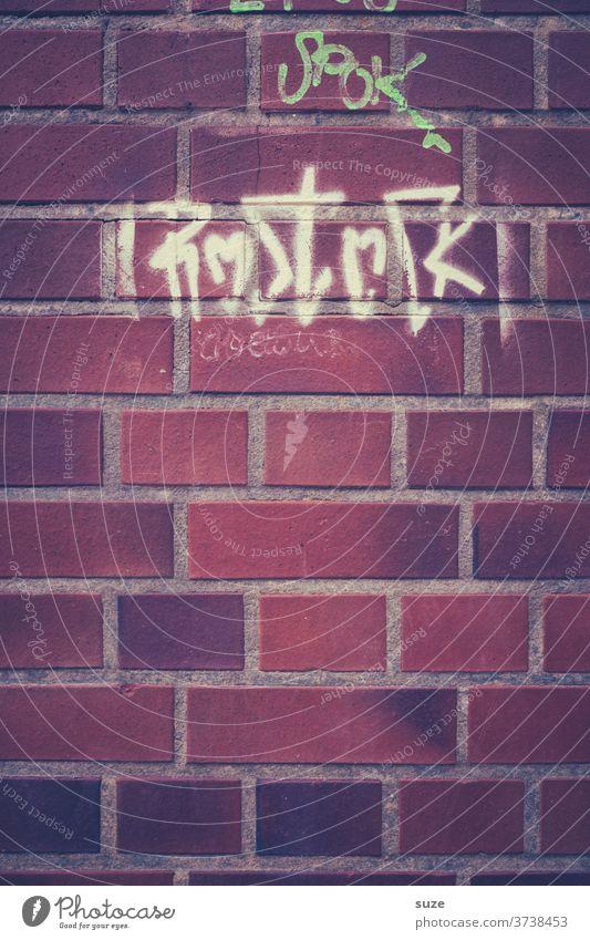 Anonyme Liebesbotschaft an eine Stadt Stil Kultur Jugendkultur Mauer Wand Fassade Schriftzeichen Graffiti authentisch Kommunizieren Vergangenheit
