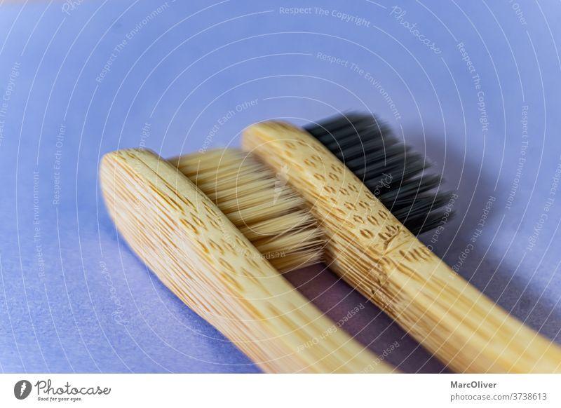 Bambus-Zahnbürsten Bambusbürste Bürste Zahnbürsten aus Bambus Sauberkeit Hygiene Holz hölzern Pflege dental Reinigen vereinzelt Umweltschonung Bambus - Material