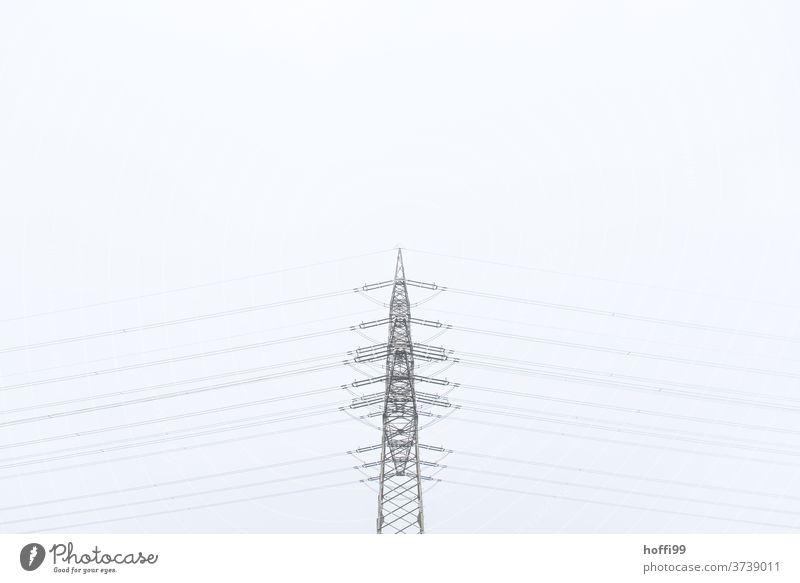 Strommast im Nichts - ausgewogen minimalistisch Hochspannungsleitung Leitung Elektrizität Energiewirtschaft Linie Klima Leistung Kabel Draht elektronisch Kraft