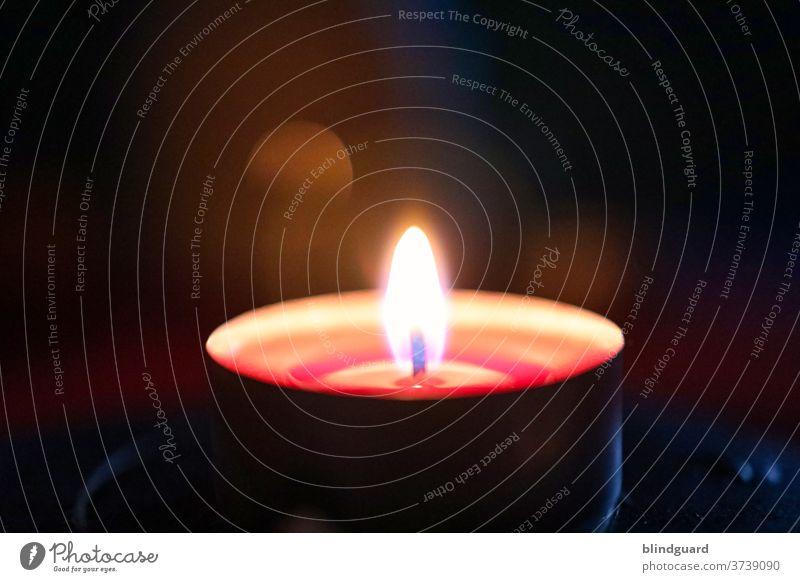 Lebensbrüche | Wenn Trauer und Verlust dunkel nach unserer Seele greifen ist oft das einzige Licht die kleine Flamme einer Kerze die uns Trost spendet und selbst darin vergeht