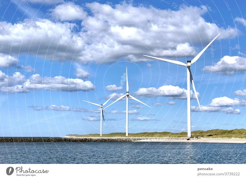 lebensnotwendig | energiewende Windkraft strom Meer Nordsee Himmel Energie Wasser blau Natur Umwelt Technik & Technologie Energiewirtschaft Erneuerbare Energie