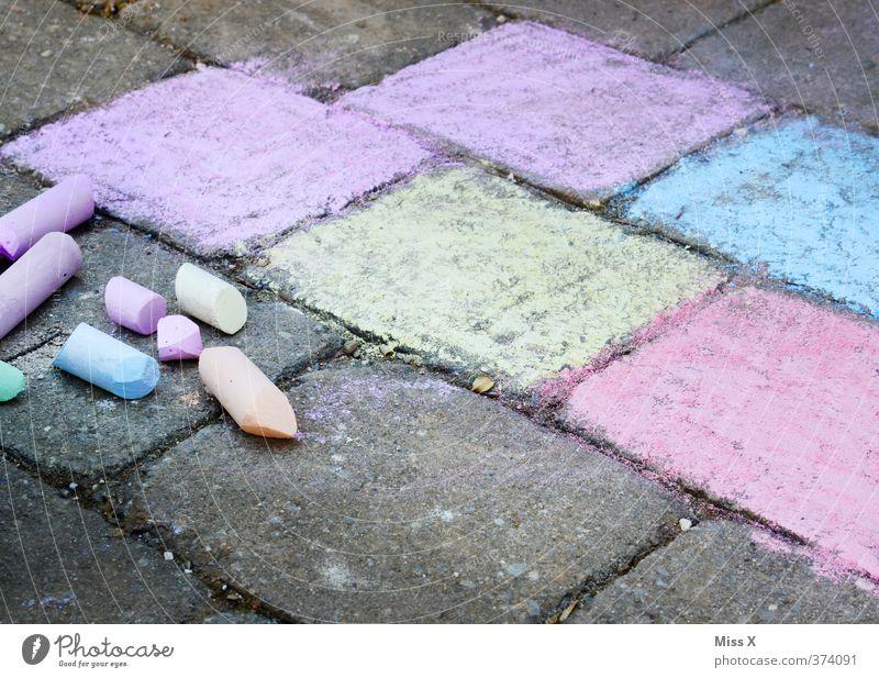Straßenkreide Freizeit & Hobby Spielen Kinderspiel Kunst zeichnen mehrfarbig Kindheit Kreide Malkreide Straßenmalkreide Strassenmalerei Steinplatten bemalt