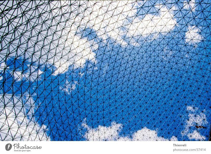 Montreal Expo Himmel blau weiß Wolken Architektur Stil Metall Netzwerk Bauwerk aufwärts Kanada Raster Ausstellung Vernetzung filigran