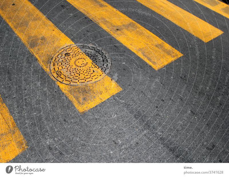baselines (20) Menschenleer Strukturen & Formen Muster Sicherheit Schutz Ordnung Problemlösung Design grau gelb Kreis Linie Schilder & Markierungen