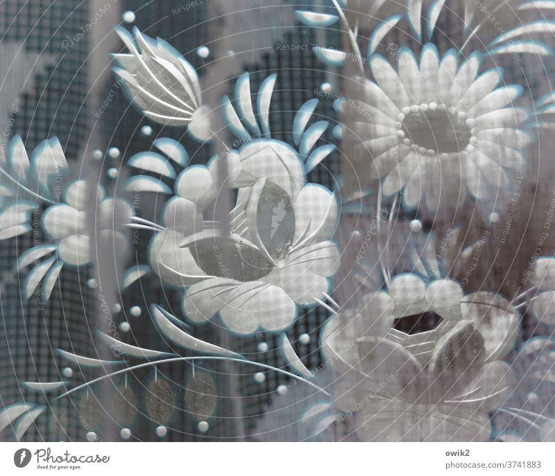 Plagiat Blume Blüte Blühend Blumenstrauß Nachbildung Dekoration & Verzierung falsch Kunstblume Glas Kitsch Krimskrams Traurigkeit Vergänglichkeit Farbfoto