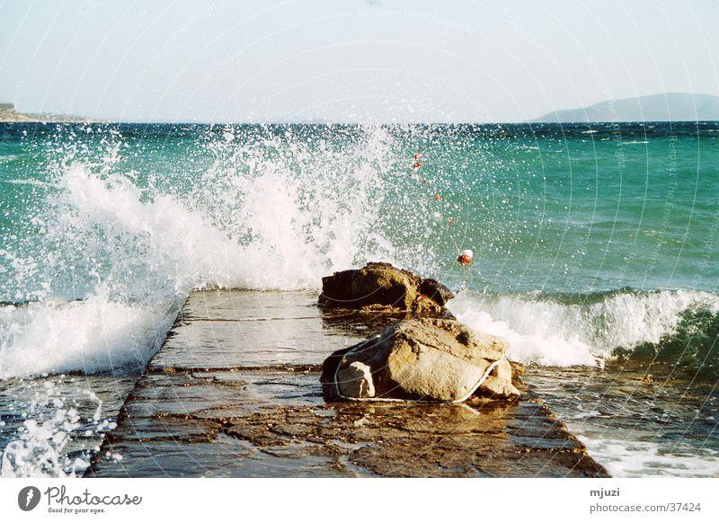 Brandung Wasser Meer Ferien & Urlaub & Reisen Wellen Wetter Sturm Steg spritzen Brandung