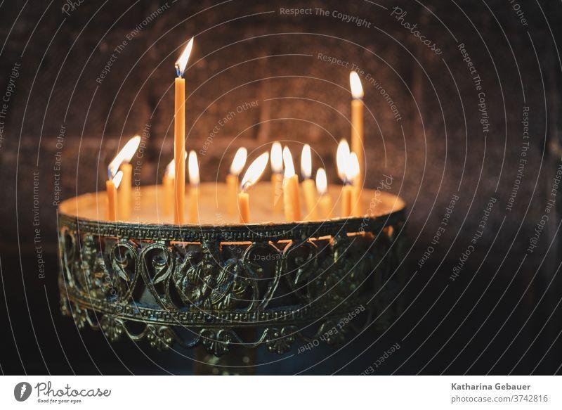 Kerzen in orthodoxer Kirche fürdenglauben kirche martinos Religion & Glaube Christentum Gotteshäuser Hoffnung Gebet Innenaufnahme Orthodoxie Licht