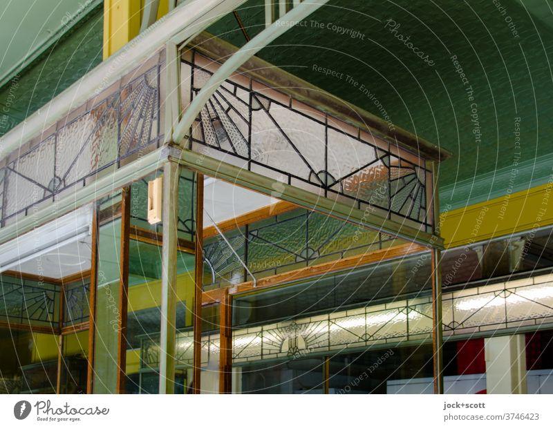 Dekorativer Schaukasten Art deco Schaufenster Architektur schaukasten Dekoration & Verzierung Ladengeschäft filigran stilisiert flächig organisch floral Stil