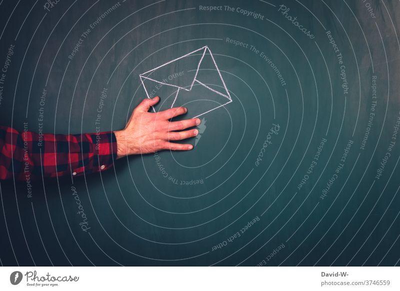 Hand hält Brief Wahl Wähler Briefwahl Post Politik & Staat Briefumschlag festhalten Mitteilung Information senden