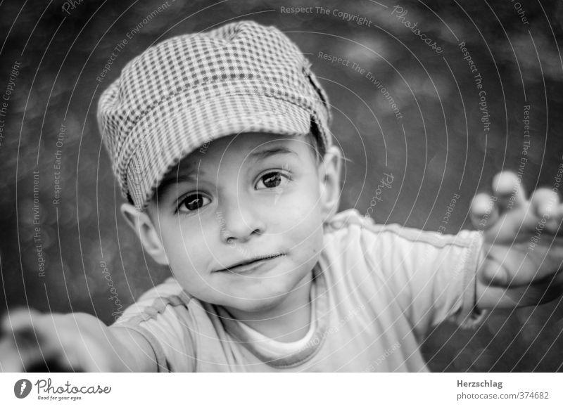 Kind sein... Junge Gesicht 1 Mensch fangen glänzend Blick Spielen Wachstum Glück Lebensfreude Sehnsucht Abenteuer Hilfsbereitschaft Hoffnung einzigartig