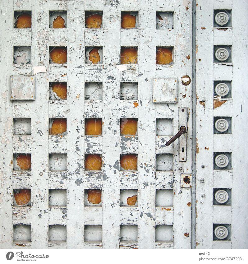 Art Deco Tür Portal Jugendstil alt historisch Vergänglichkeit ernst Würde Außenaufnahme Strukturen & Formen Menschenleer seriös groß Sehenswürdigkeit