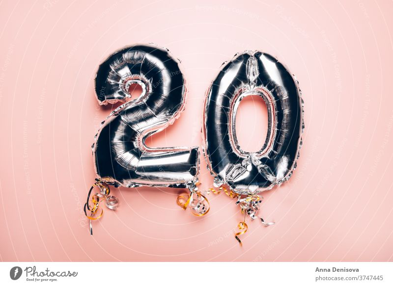 Silberne Nummernballons 20 Luftballon mag Gefolgsleute 20. Jahrestag zwanzig Geburtstag Feier Glückwünsche Air Dekor Folienballon Bändchen Helium Termin & Datum