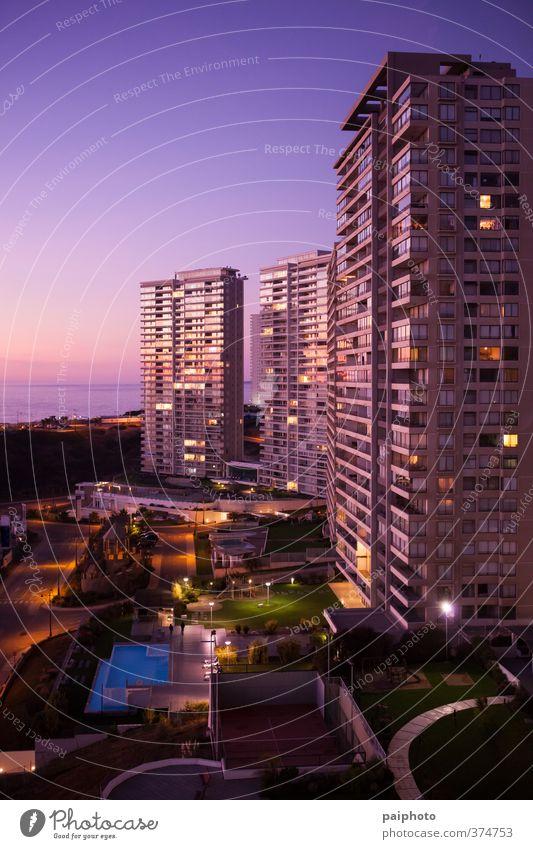 Gebäude am Meer Nachmittag Architektur Chile Stadt Gemeinschaft Eigentumswohnung Kondominium Konstruktion Abenddämmerung finanziell Financial District Glas spät